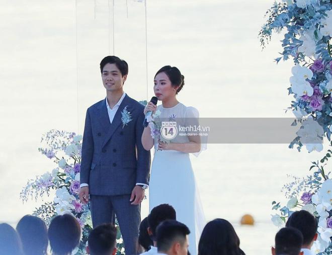 Công Phượng thuê hẳn sân bóng để tổ chức đám cưới, hé lộ những hình ảnh đầu tiên của 'hôn lễ khủng nhất Nghệ An' 5
