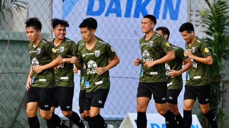 Nội bộ Thái Lan đại loạn vì 'rắn mất đầu': Cửa nào lật đổ ngôi vương của ĐT Việt Nam tại AFF Cup? 4