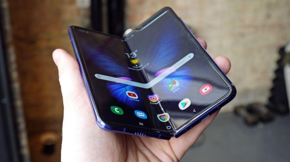 Samsung điều tra sự cố màn hình Galaxy Fold 1
