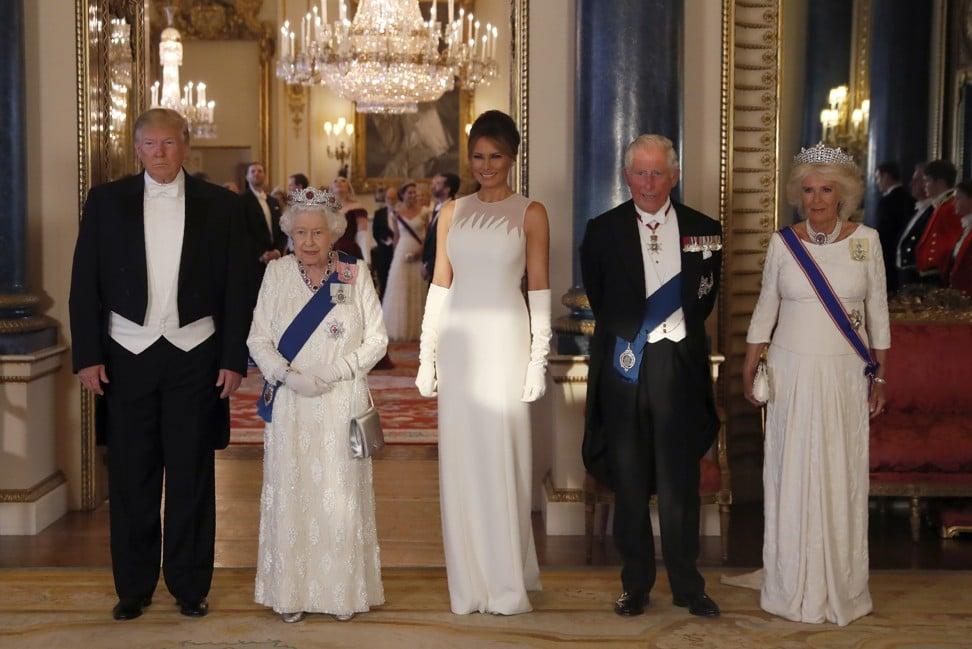 Đẳng cấp thời trang của Đệ nhất phu nhân Mỹ khi gặp Nữ hoàng Anh 1