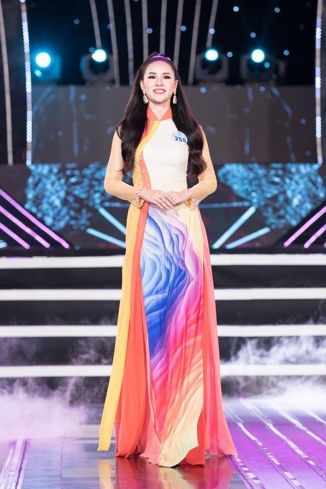 Bạn gái Trọng Đại U23 khóc nấc khi bị loại ở Miss World Việt Nam 2019 2