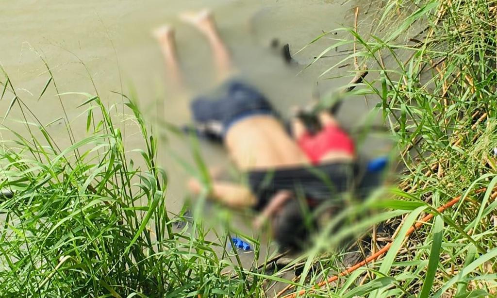 Rúng động: Hai cha con người di cư bị cứa cổ, bỏ bên vệ đường 2
