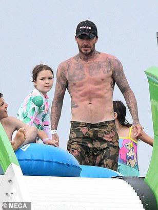 Hình ảnh mới nhất của David Beckham chứng minh 'gừng càng già càng cay' 1