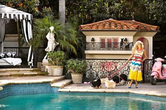 Biệt thự 352.000 USD dành cho chó đẹp đến nín thở của Paris Hilton 2