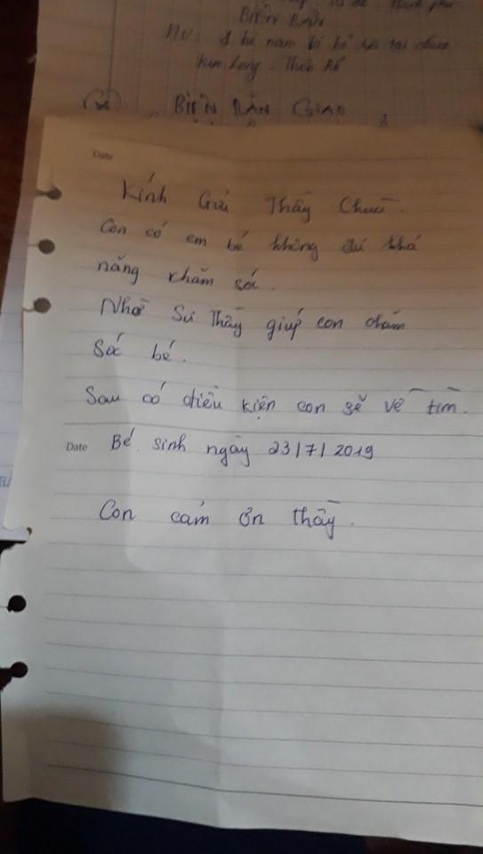 Bé trai bị bỏ ở chùa kèm thư nhắn 'có điều kiện con sẽ về tìm' 2
