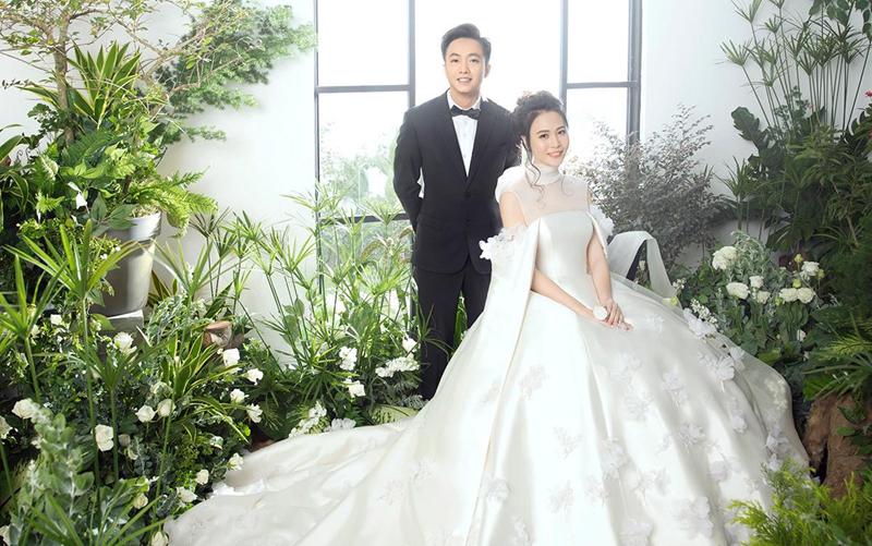 Đàm Thu Trang công bố chiếc váy cưới chính thức đẹp đến nín thở 1