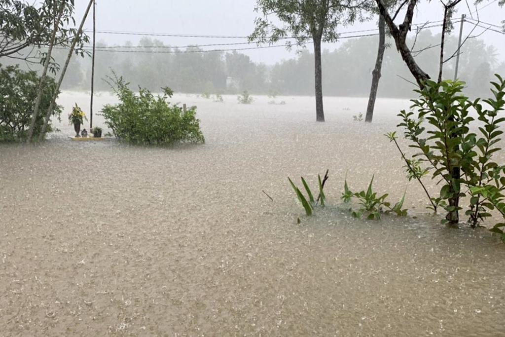 Đảo Phú Quốc tê liệt vì chìm trong trận lụt lịch sử 3