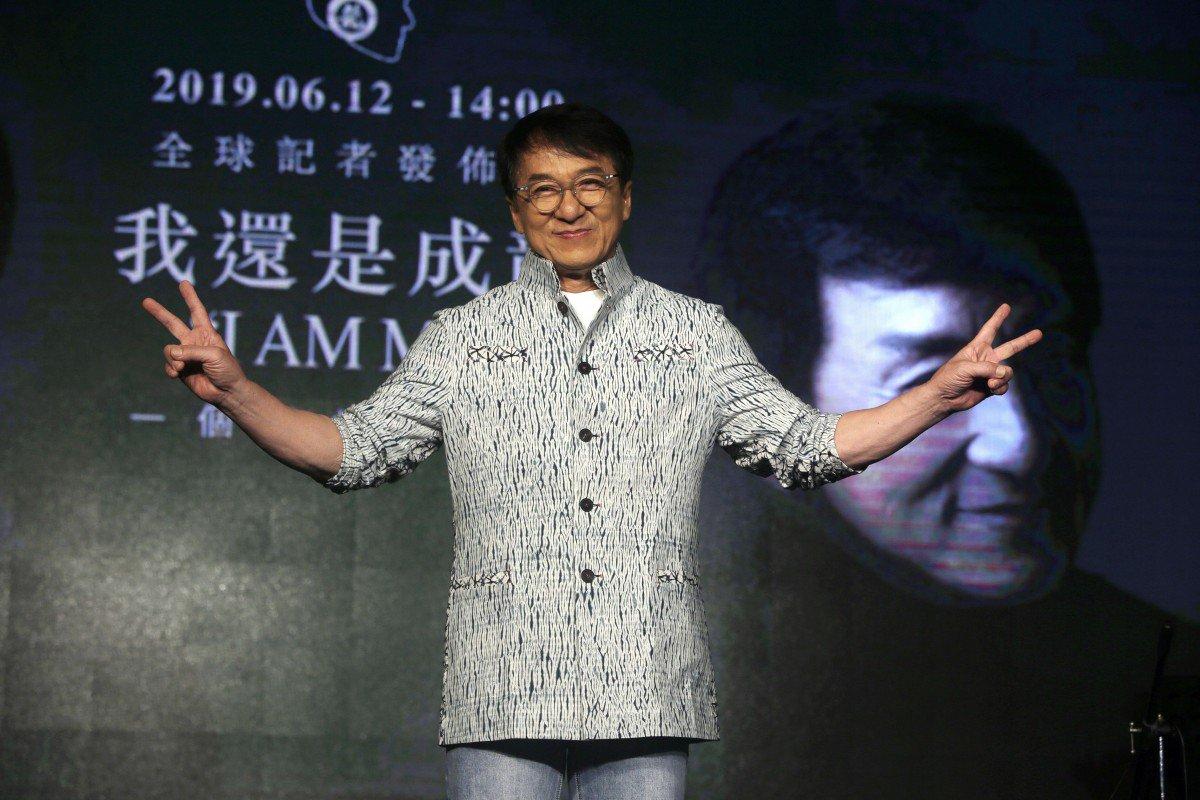 Thành Long hứng chỉ trích vì bình luận về biểu tình Hong Kong 1