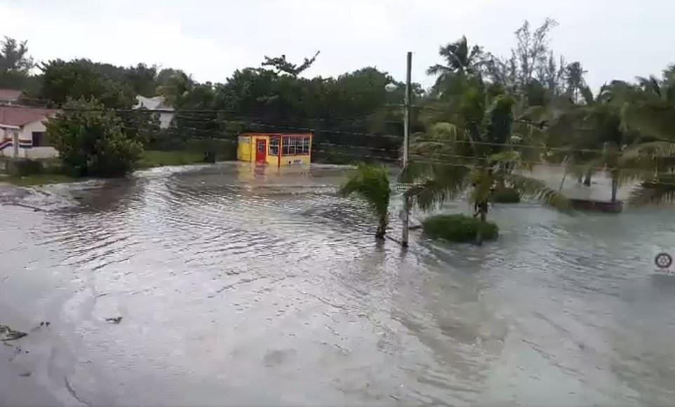 Bão quái vật Dorian gây 'thảm kịch lịch sử' cho quốc đảo Bahamas 4