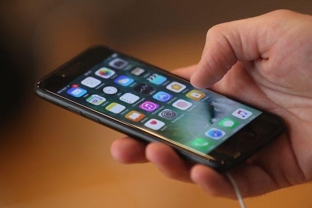 Apple sắp ra mắt iPhone giá rẻ cấu hình ngang iPhone 11 1