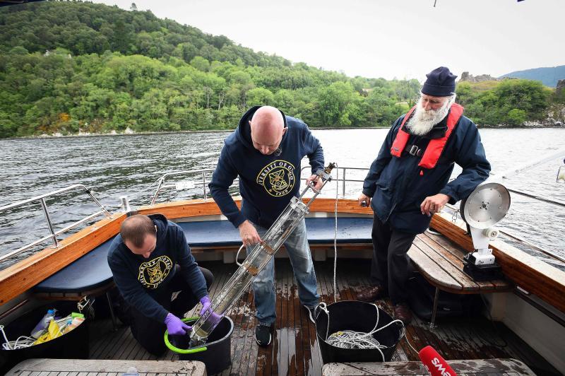Bí ẩn quái vật hồ Loch Ness đã được các nhà khoa học bật mí 2