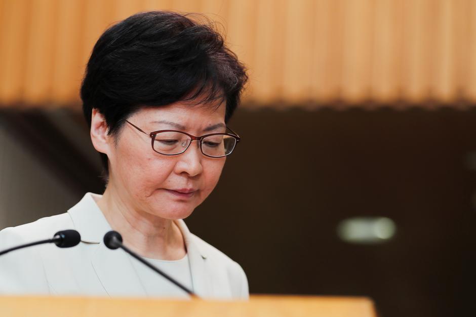 Hong Kong rút dự luật dẫn độ: Bước đầu giải quyết bất ổn 1