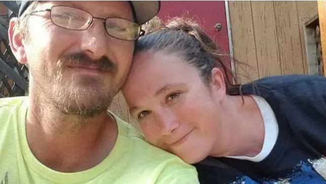 Cặp đôi hầu tòa vì tiêu tiền ngân hàng chuyển khoản nhầm 1