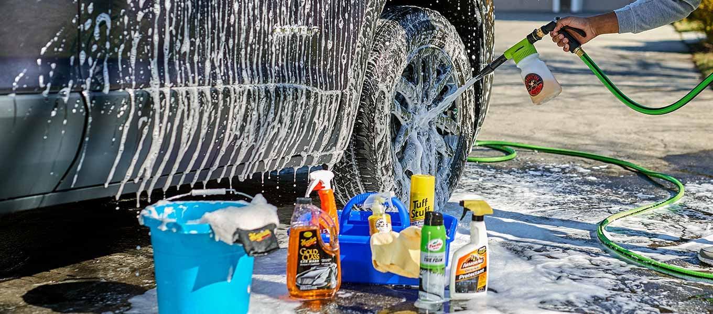 Cuối tuần rồi, ở nhà tự rửa ô tô, cần tránh những gì? 2