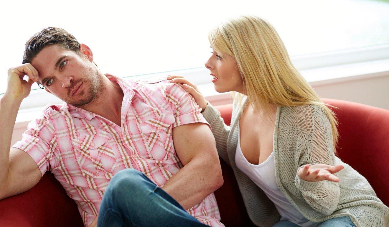 10 dấu hiệu ngoại tình của đàn ông: Thức khuya đứng số 1 1