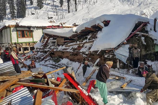 Tin tức thế giới 24h ngày 15/1/2020: Lở tuyết khiến 67 người thiệt mạng 1