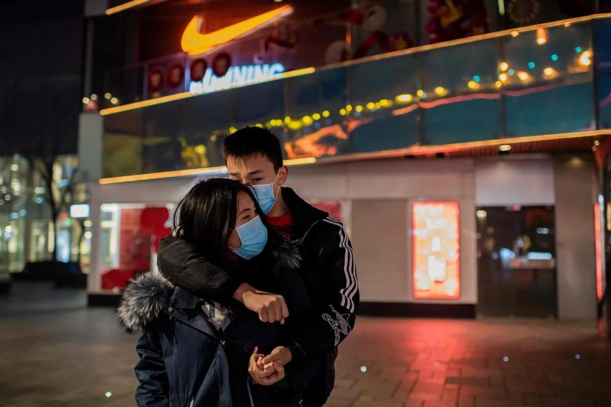 Những nụ hôn mùa Valentine thời corona 8