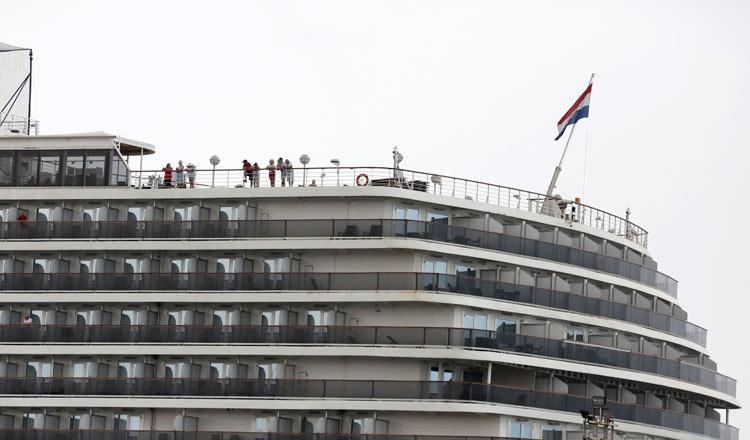 100 khách trên du thuyền Westerdam được tham quan Phnom Penh miễn phí 1