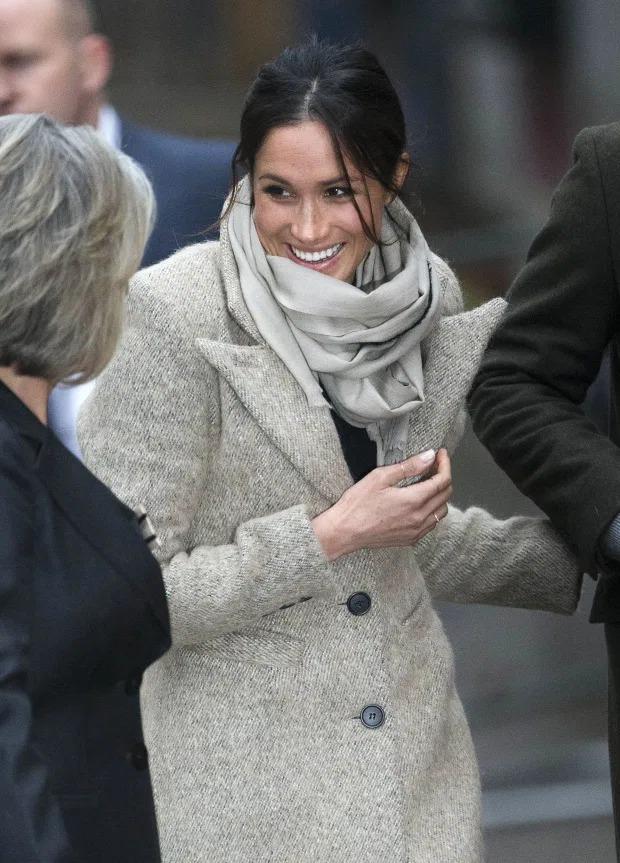 Những khoảnh khắc 'nổi loạn' của 2 nàng dâu hoàng gia Anh 11
