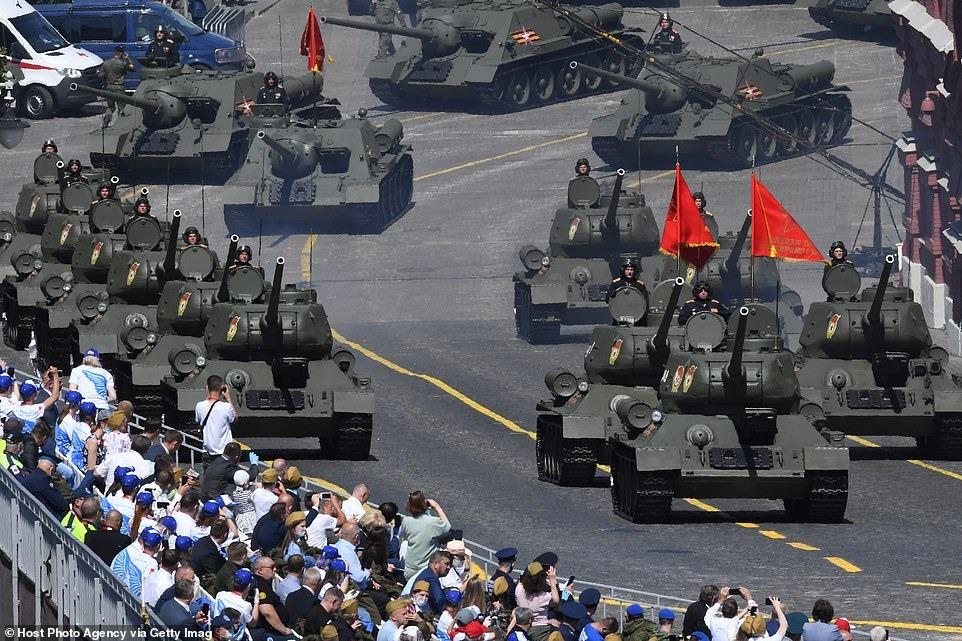 Covid-19 hạ nhiệt, Nga tổ chức duyệt binh Ngày chiến thắng hoành tráng 2