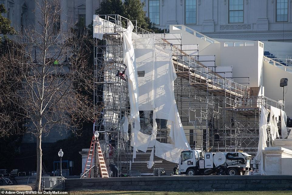 صحنه ساختمان کنگره آمریکا پس از سقوط 6