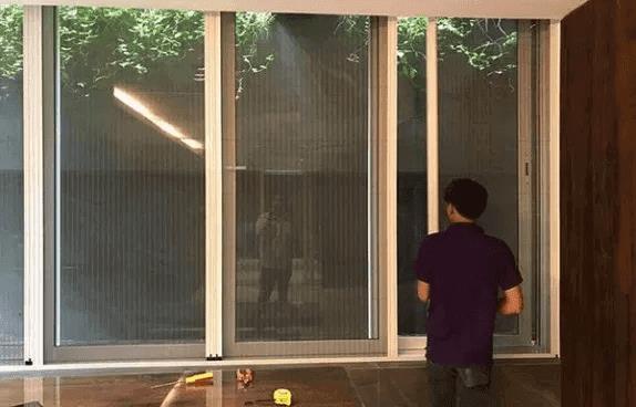 Quy trình lắp đặt cửa lưới chống muỗi côn trùng Việt Nhật 7