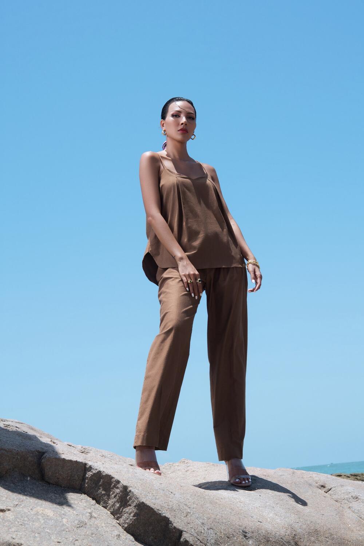 Đi biển nhưng tinh thần thời trang vẫn 'ngời ngợi' cùng loạt gợi ý của siêu mẫu Minh Triệu 4