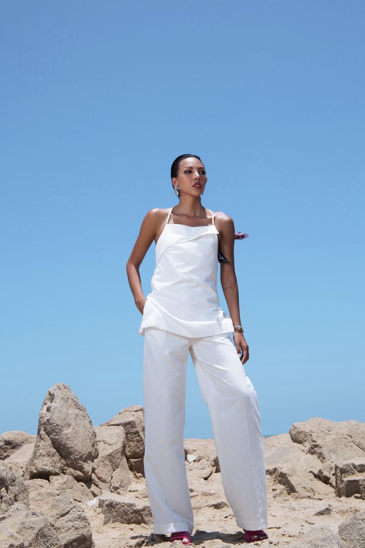 Đi biển nhưng tinh thần thời trang vẫn 'ngời ngợi' cùng loạt gợi ý của siêu mẫu Minh Triệu 2