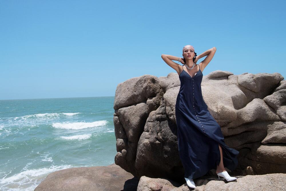 Đi biển nhưng tinh thần thời trang vẫn 'ngời ngợi' cùng loạt gợi ý của siêu mẫu Minh Triệu 9