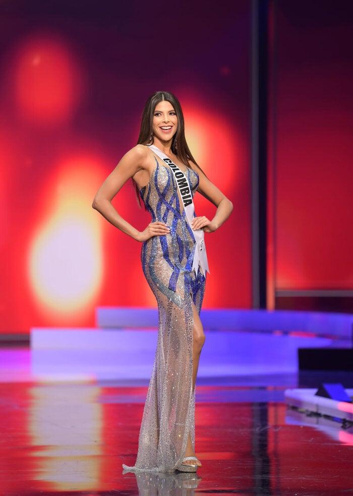 رونمایی از 10 طرح زیباترین لباس شب در نیمه نهایی Miss Universe: Dawn of Vietnam