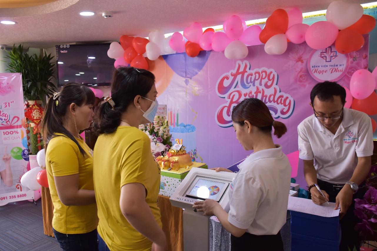 Bệnh viện Thẩm mỹ Ngọc Phú tưng bừng chào đón sinh nhật lần thứ 31 5