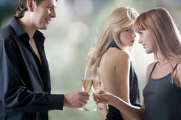 Câu chuyện ngoại tình và cách nắm giữ hạnh phúc 1