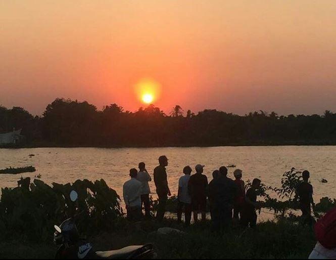 Tá hỏa phát hiện thi thể người phụ nữ trôi trên sông Sài Gòn 1