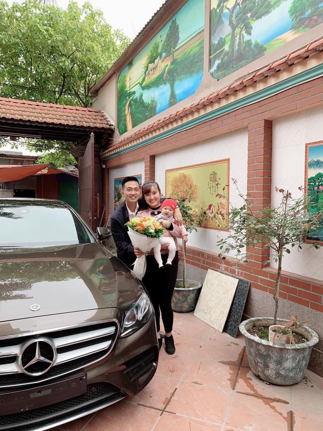 Nhan sắc mẹ bỉm sữa được chồng đại gia mua siêu xe 2,5 tỷ đồng tặng quà 8/3 3