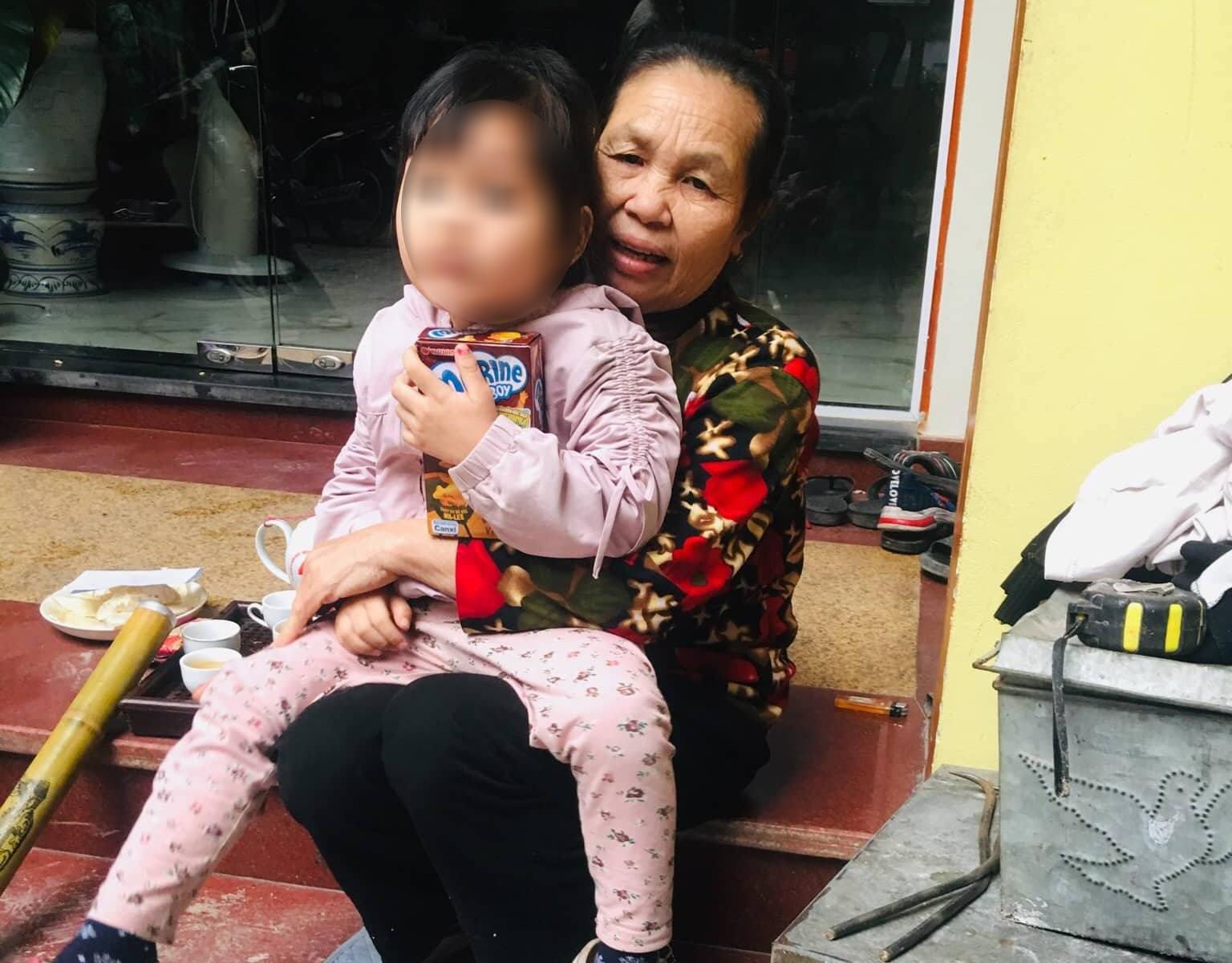Vụ bé gái 3 tuổi nghi bị bắt cóc ở Hà Nội: Đối tượng là người hiền lành, chịu khó 3