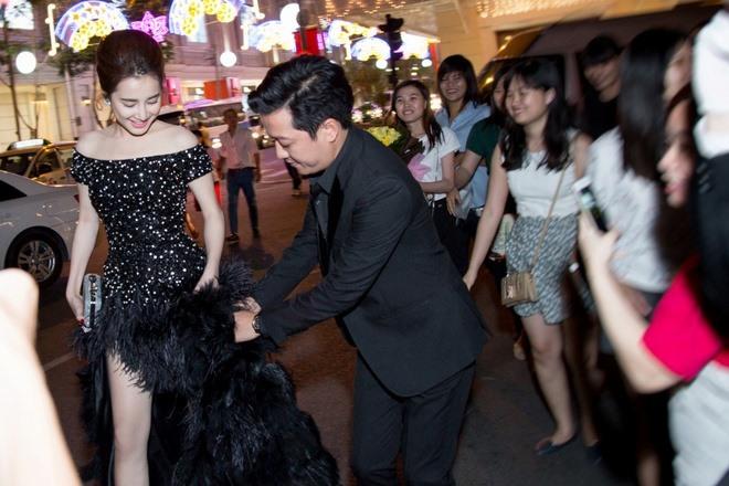Đọ độ lãng mạn của 2 cặp đôi đình đám Trường Giang - Nhã Phương và Trấn Thành - Hari Won 11