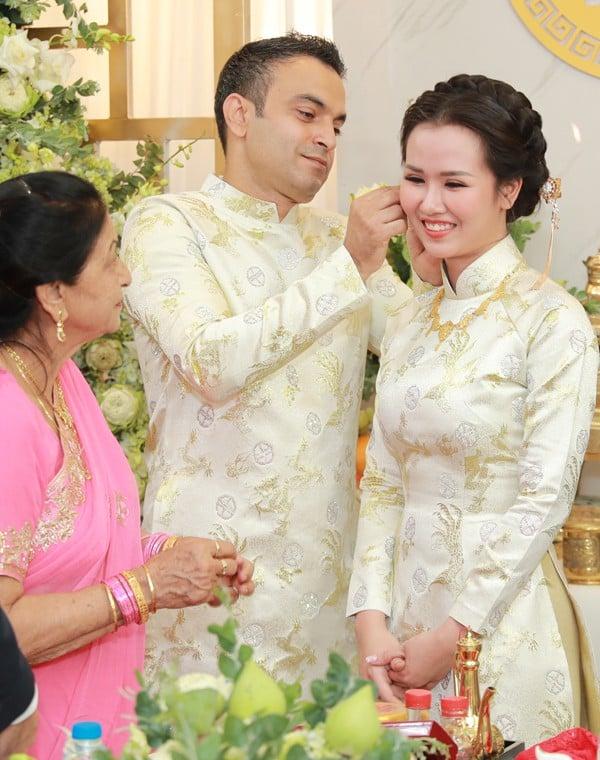 Bật mí cuộc sống hôn nhân 'lạ lùng' của Võ Hạ Trâm và chồng doanh nhân Ấn Độ 5