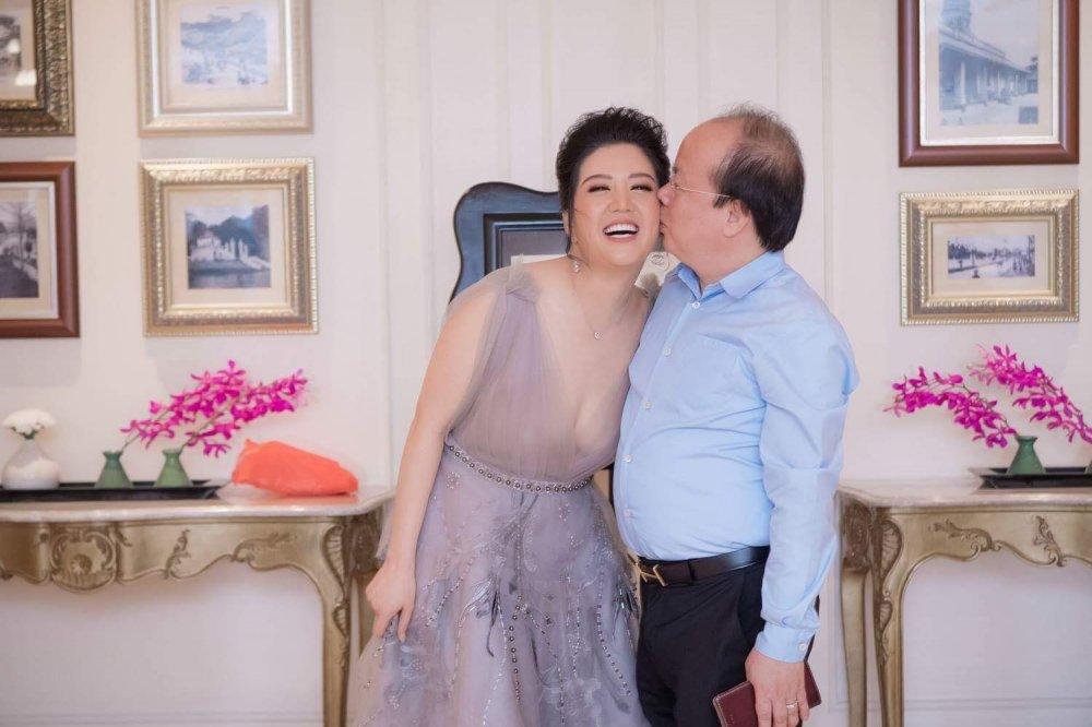 Ca sĩ Đinh Hiền Anh: 'Tôi không bao giờ dặn chồng phải chung thủy' 6