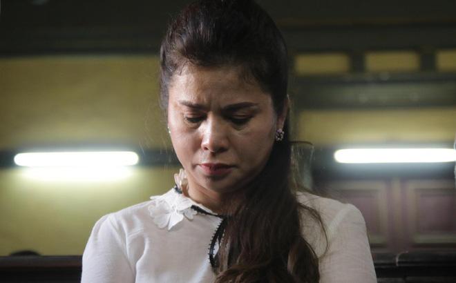 Hoa hậu Phương Lê bênh vực bà Diệp Thảo, mắng ông vua cafe Trung Nguyên là ham của 5
