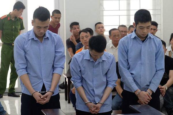 Nhóm 'cẩu tặc' bắt 2 thiếu nữ vào rừng hãm hiếp lĩnh án cao nhất 28 năm tù 1