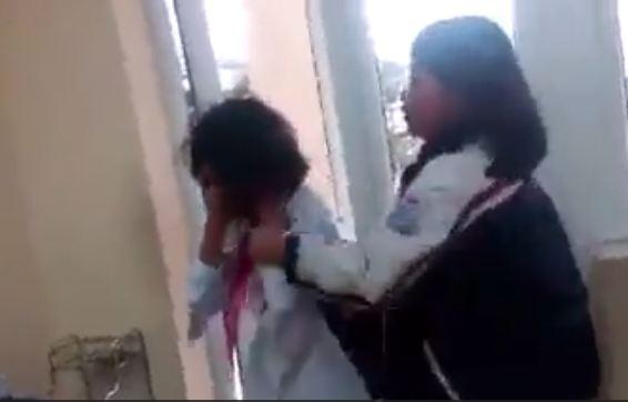 Lại thêm một nữ sinh bị bạn đánh không ai can ngăn ngay trong lớp ở Quảng Ninh 1