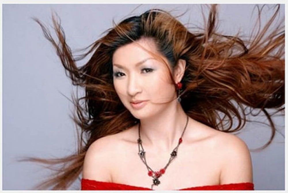 Hot girl Trâm Anh, Hoàng Thùy Linh... và những sao Việt khốn đốn vì lộ clip nóng 11