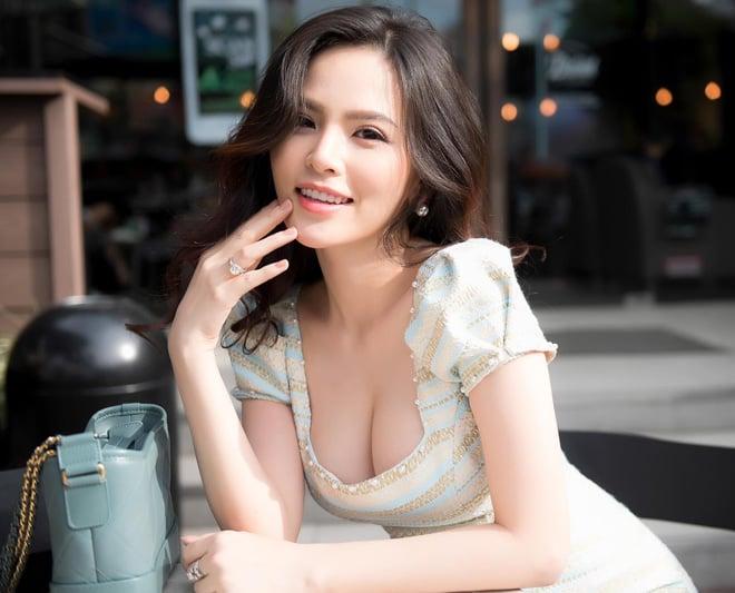 Cảnh nóng của hot girl Phi Huyền Trang khiến người yêu quyết định chia tay 1