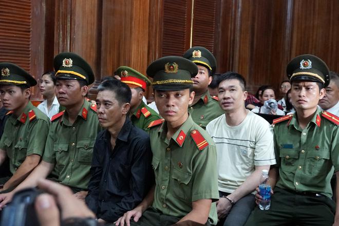 Sự bình thản đến lạnh người của Văn Kính Dương trong 2 ngày xét xử 2