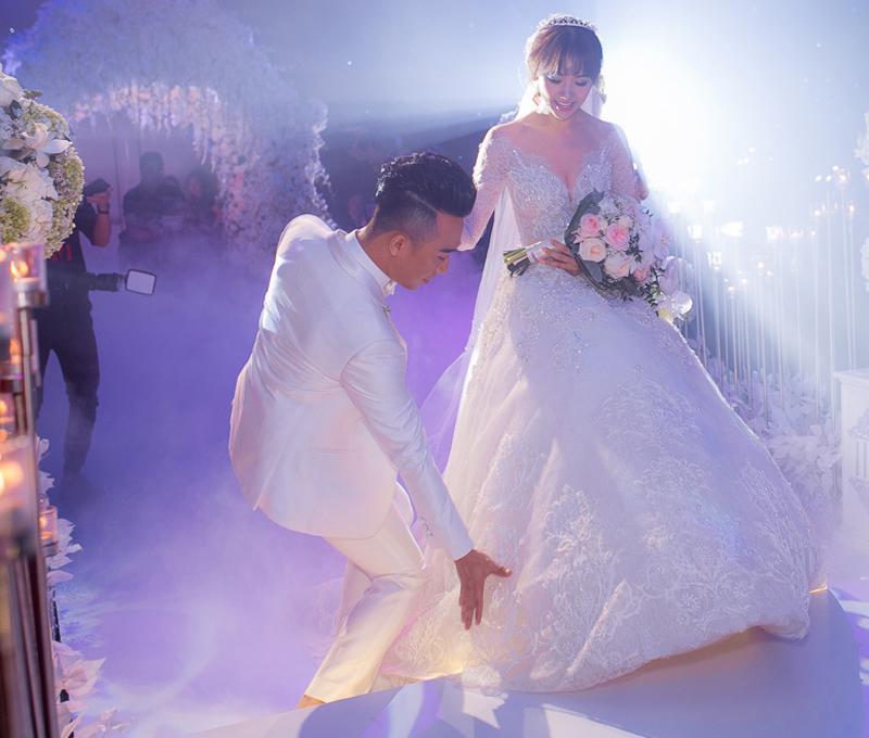 Nhã Phương mê tít Trường Giang cũng nhờ hành động này của chồng mỗi lần trên thảm đỏ 7