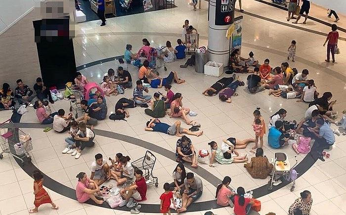 Dân mạng tranh cãi bức ảnh nhiều người nằm la liệt trong TTTM khi nắng nóng tới 40 độ 1