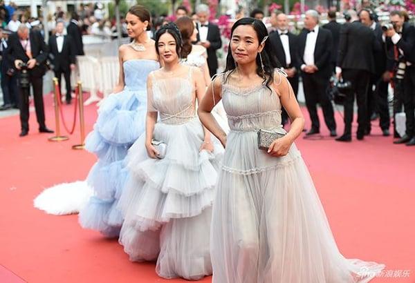 Không chỉ Ngọc Trinh, thảm đỏ Cannes từng chứng kiến nhiều sao thế giới diện đồ phản cảm 1