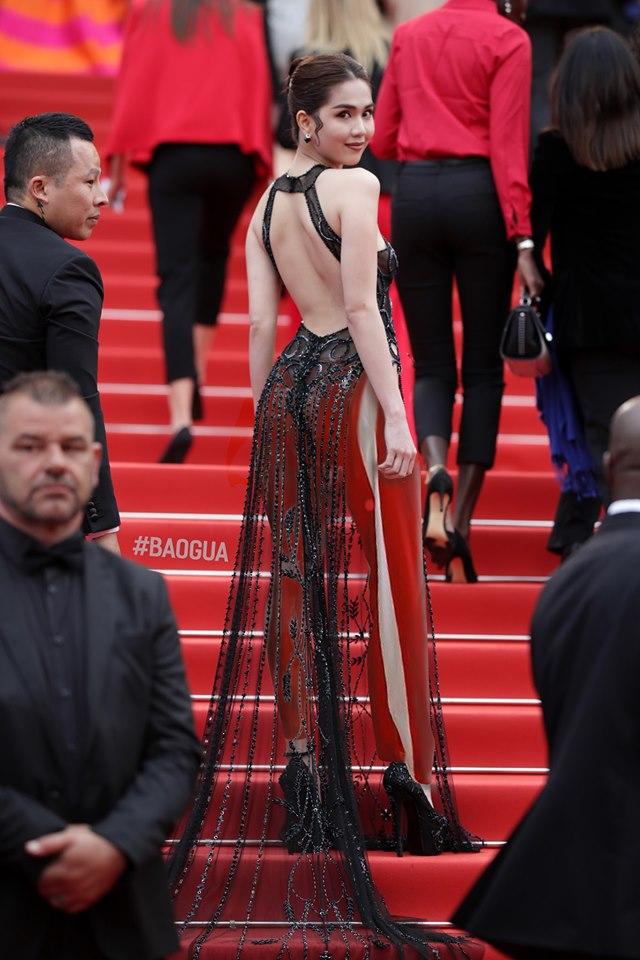 Dân mạng 'thương' Ngọc Trinh, bất ngờ 'mặc' thêm quần cho bộ đồ hở bạo của nữ hoàng nội y 6