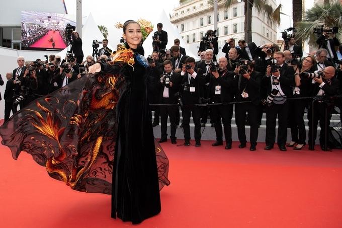 Giữa tâm bão Ngọc Trinh hở bạo, Trương Thị May mặc kín như bưng tại Cannes 1