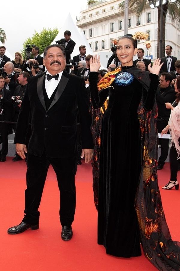 Giữa tâm bão Ngọc Trinh hở bạo, Trương Thị May mặc kín như bưng tại Cannes 4